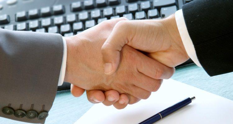 Как заверить договор дарения квартиры у нотариуса