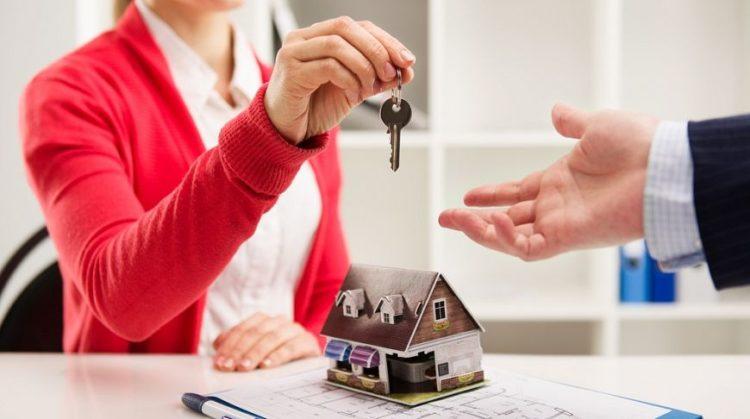 Какие должны быть документы у квартиры при продажы по переуступке