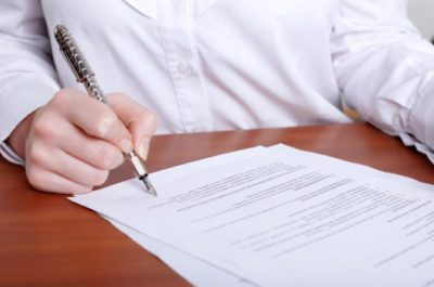 Когда затопило квартиру по вине управляющей компании — что делать и кому писать?